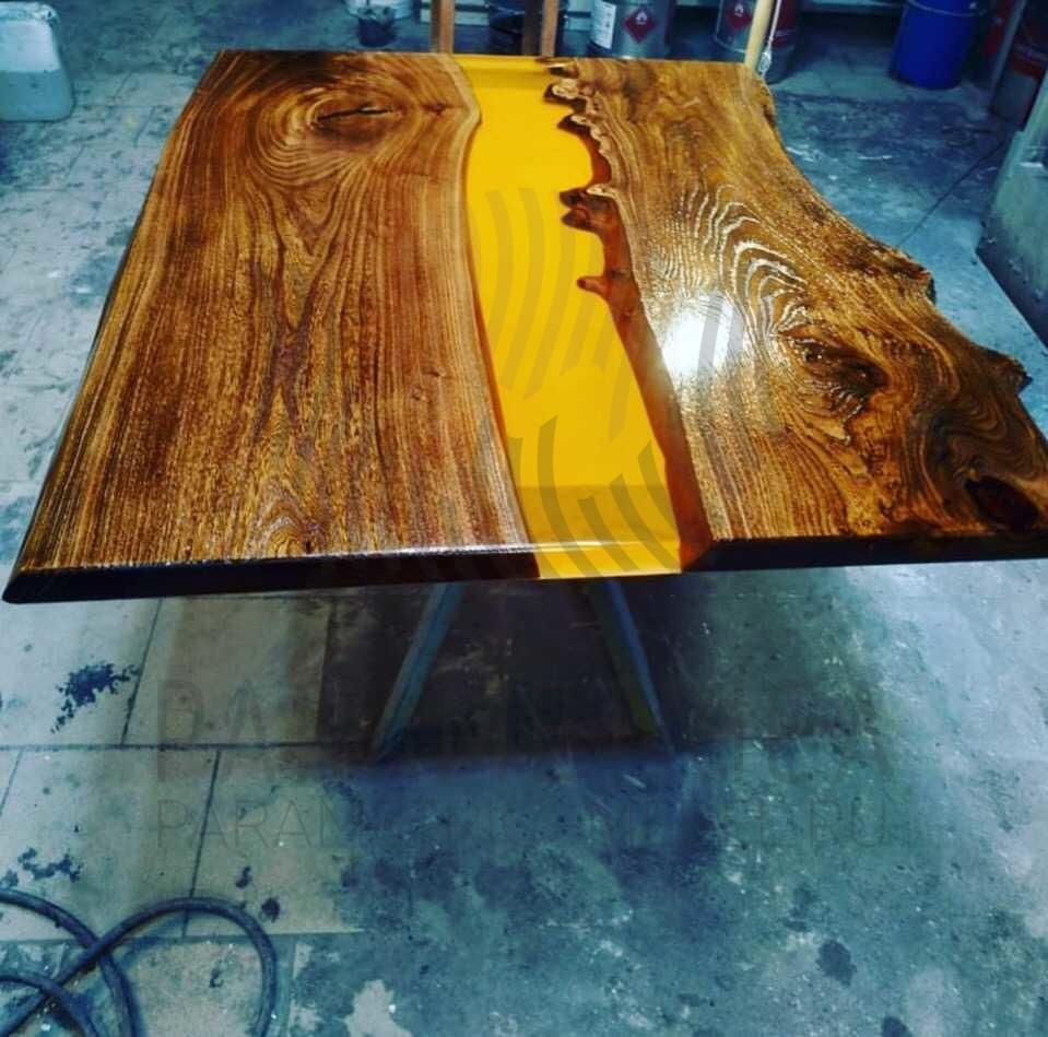 "Кофейный столик ""Жёлтая река"""